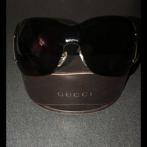 Gucci wrap shield sunglasses